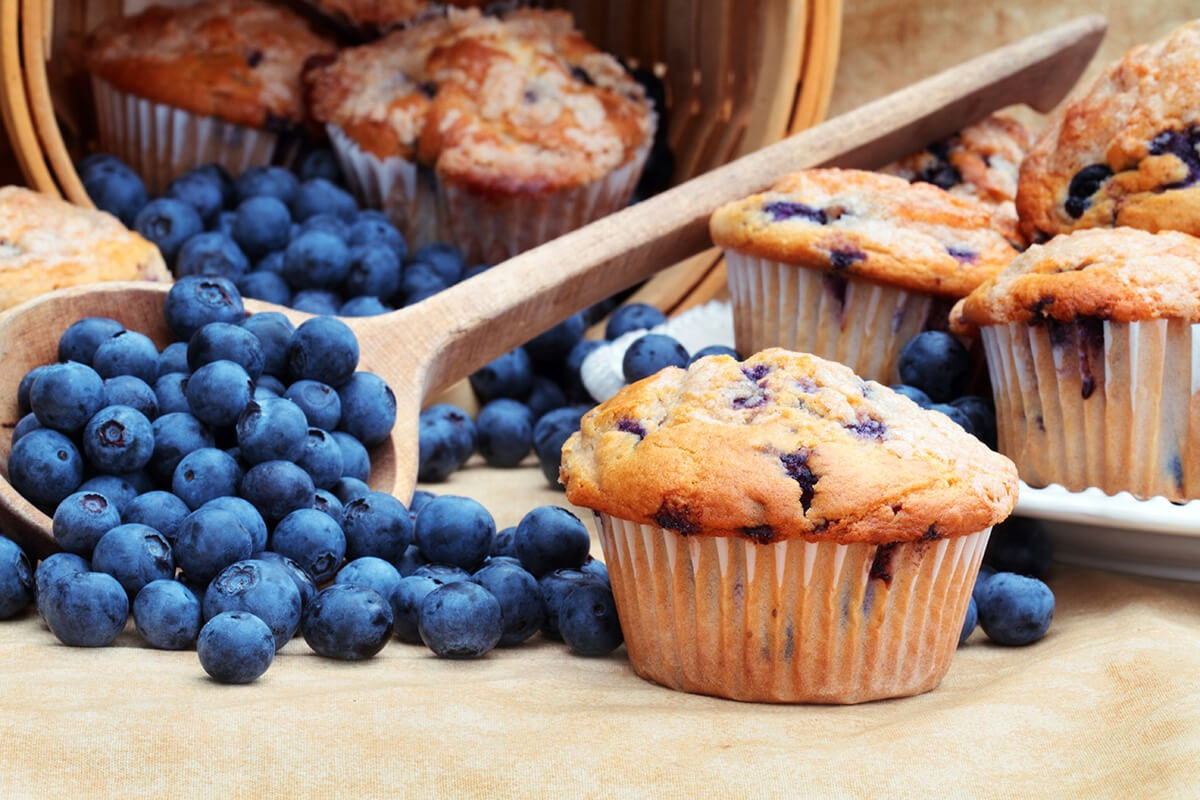http://www.dreamplantbased.com/wp-content/uploads/2016/01/blueberrymuffins-1-1200x800.jpg