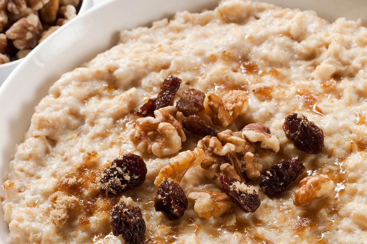 http://www.dreamplantbased.com/wp-content/uploads/2016/01/oatmeal-1200x800.jpg